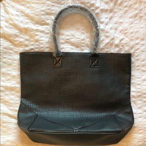 3/$20 NWT Black tote bag